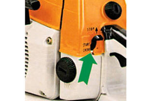 1976: Single-lever operation for chainsaws